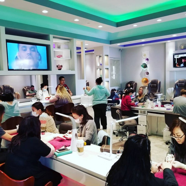 Grand Nails Lounge 1